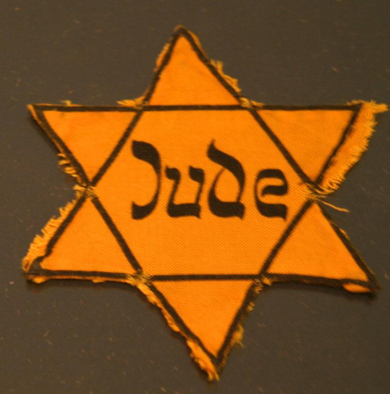 על הסתרת ילדים בשואה; סיפורה של משפחה אחת
